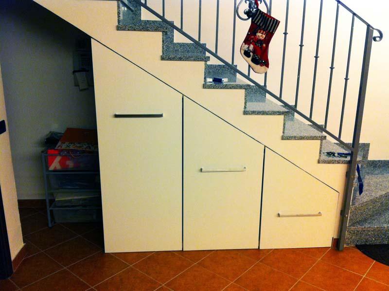 Mobili su misura per sottoscala design casa creativa e - Costruire un mobile in legno ...