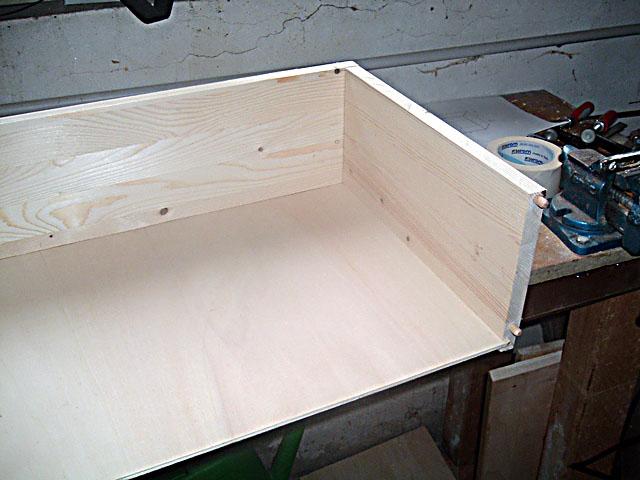Fai da te falegnameria costruire un comodino di legno - Letto con cassetti fai da te ...