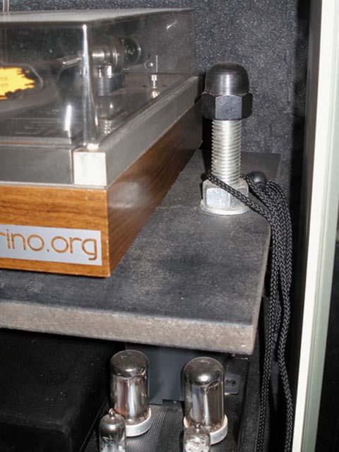 Ilsitodelfaidate It Fai Da Te Falegnameria Costruire Un Semplice Ed Elegante Mobile Rack Per L Impianto Stereo 1