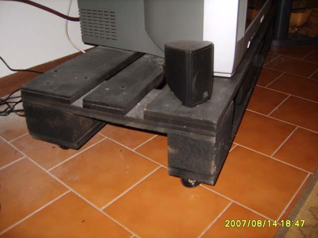 Fai da te falegnameria costruire for Costruire porta tv