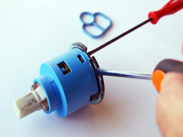 Cambiare guarnizione rubinetto miscelatore